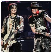 Richard Fortus N' Axl Rose #GNRhero - My World Guns N' Roses ...
